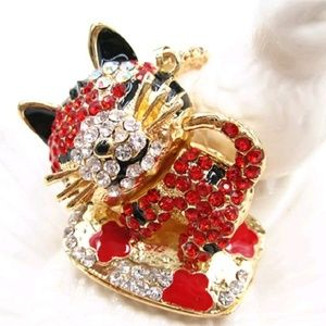 """Sleeping Red Baby Tiger Pendant Necklace Betsey""""^"""